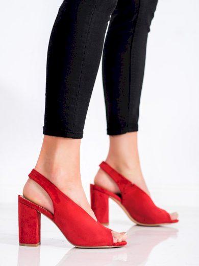 Zajímavé dámské  sandály červené na širokém podpatku