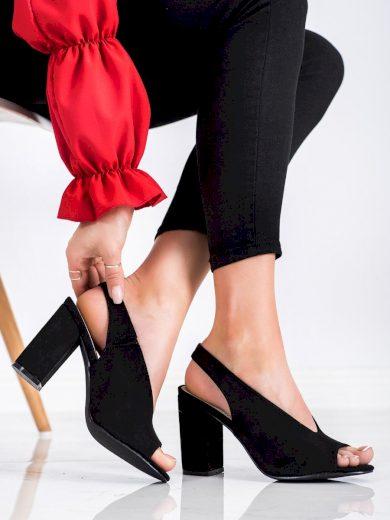 Originální dámské černé  sandály na širokém podpatku