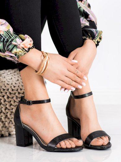 Luxusní dámské černé  sandály na širokém podpatku