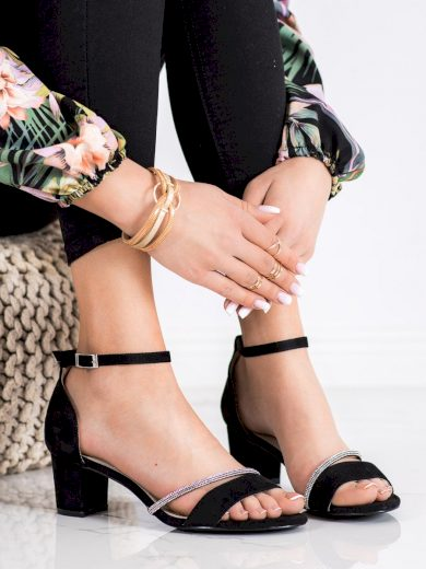 Designové dámské  sandály černé na širokém podpatku
