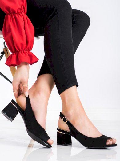 Pěkné černé  sandály dámské na širokém podpatku