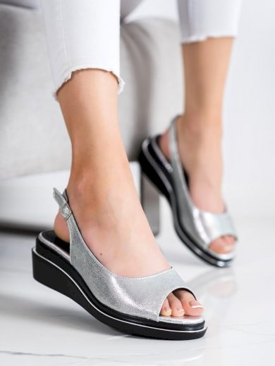 Jedinečné  sandály dámské šedo-stříbrné na klínku