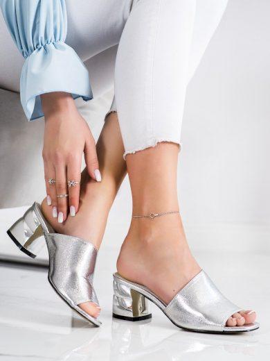 Krásné šedo-stříbrné dámské  nazouváky na širokém podpatku