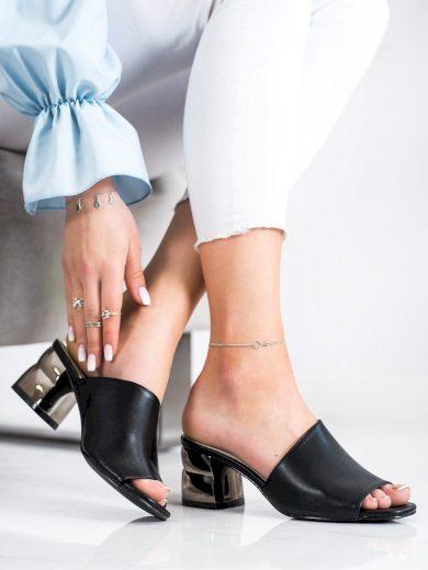 Pohodlné černé  nazouváky dámské na širokém podpatku