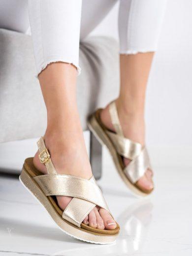 Klasické dámské zlaté  sandály bez podpatku