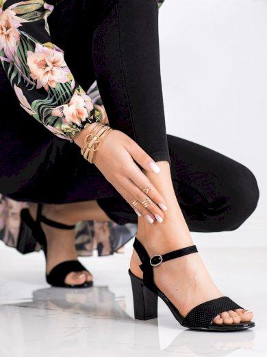 Jedinečné  sandály dámské černé na širokém podpatku