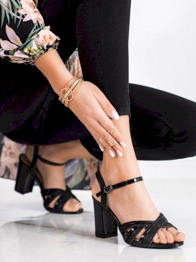 Krásné černé  sandály dámské na širokém podpatku