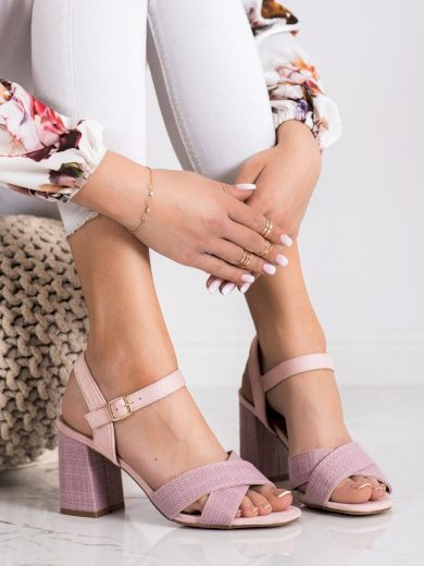 Trendy růžové dámské  sandály na širokém podpatku