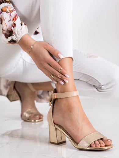 Moderní  sandály dámské zlaté na širokém podpatku