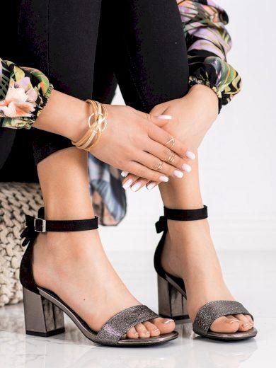 Moderní dámské černé  sandály na širokém podpatku