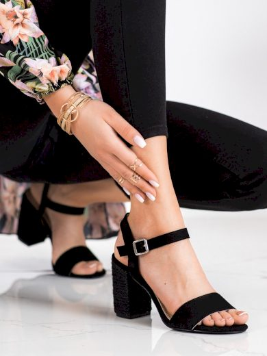 Výborné černé  sandály dámské na širokém podpatku