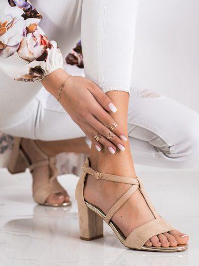 Komfortní hnědé dámské  sandály na širokém podpatku