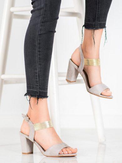 Výborné  sandály dámské šedo-stříbrné na širokém podpatku