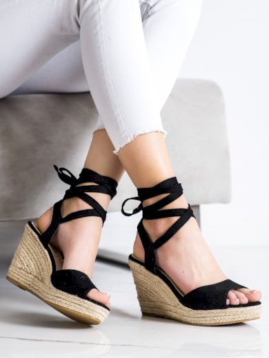 Jedinečné dámské černé  sandály na klínku