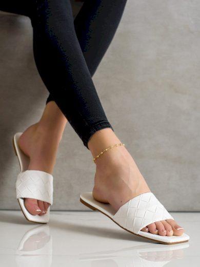 Stylové dámské  nazouváky bílé bez podpatku