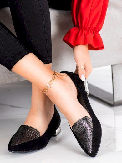 Pěkné černé dámské  lodičky na plochém podpatku