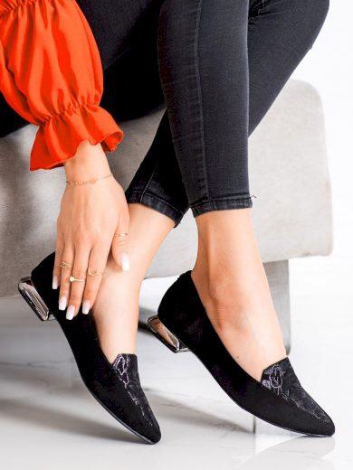Krásné dámské černé  lodičky na plochém podpatku