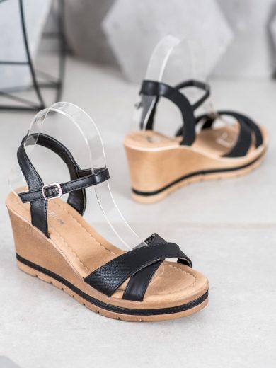 Designové dámské černé  sandály na klínku
