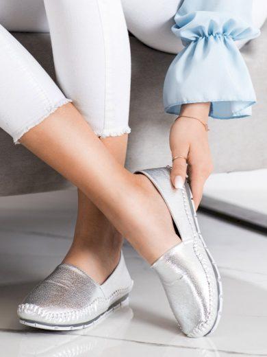 Trendy dámské  mokasíny šedo-stříbrné bez podpatku
