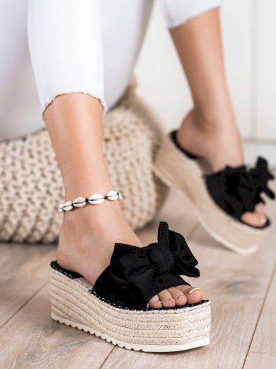 Komfortní černé dámské  nazouváky bez podpatku