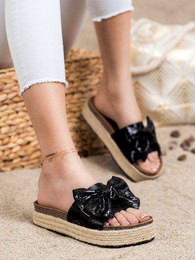 Komfortní dámské černé  nazouváky bez podpatku