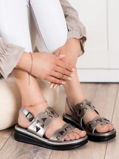 Designové  sandály šedo-stříbrné dámské bez podpatku