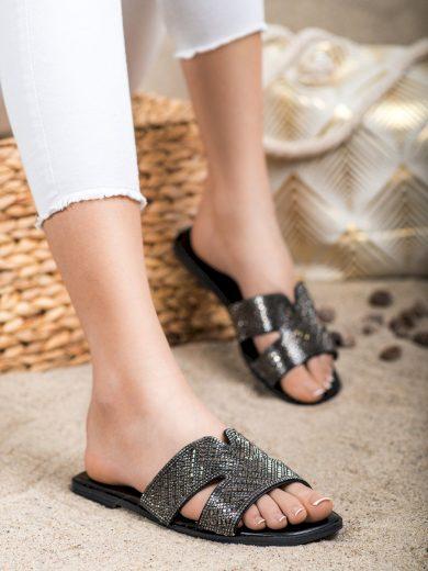 Pohodlné černé dámské  nazouváky bez podpatku