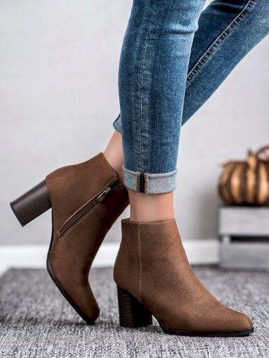Výborné  kotníčkové boty dámské hnědé na širokém podpatku