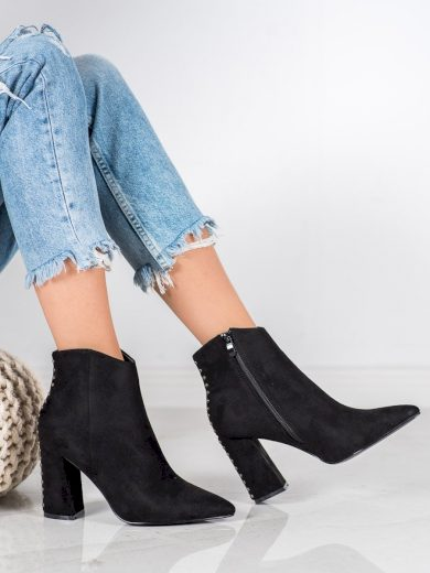 Zajímavé dámské  kotníčkové boty černé na širokém podpatku