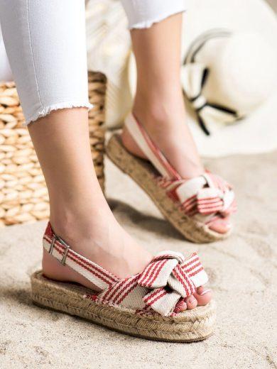 Výborné vícebarevné  sandály dámské bez podpatku