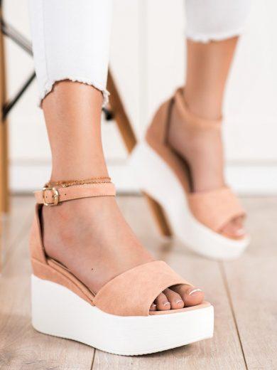 Komfortní  sandály dámské hnědé bez podpatku