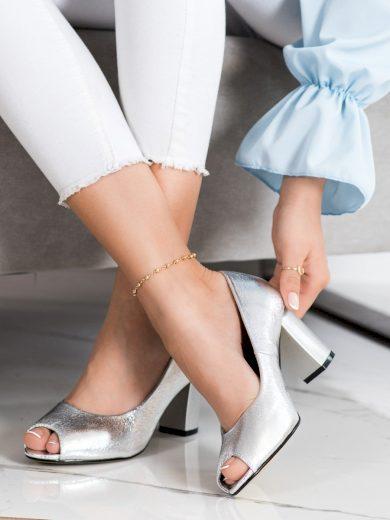Trendy dámské  lodičky šedo-stříbrné na širokém podpatku
