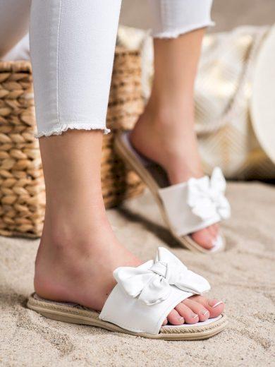 Krásné  nazouváky bílé dámské bez podpatku
