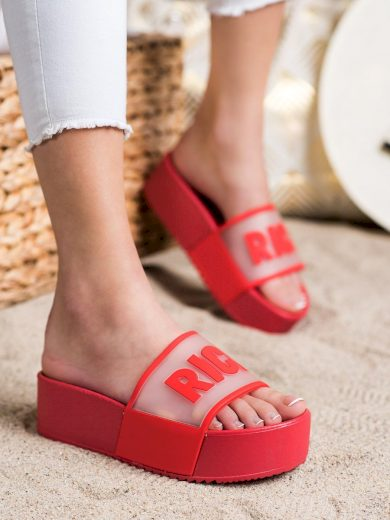 Krásné  nazouváky červené dámské bez podpatku