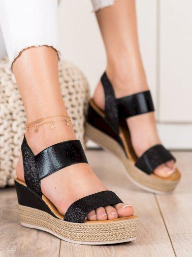 Originální dámské  sandály černé na klínku