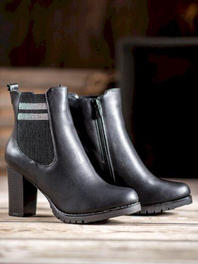 Trendy dámské černé  kotníčkové boty na širokém podpatku
