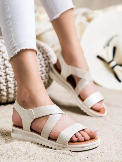 Stylové zlaté  sandály dámské bez podpatku