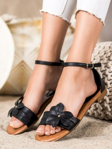 Zajímavé černé  sandály dámské na plochém podpatku