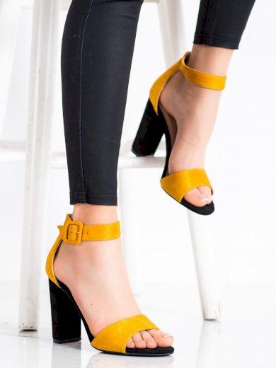 Designové zlaté  sandály dámské na širokém podpatku