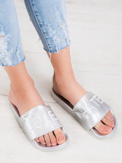 Pěkné  nazouváky šedo-stříbrné dámské bez podpatku