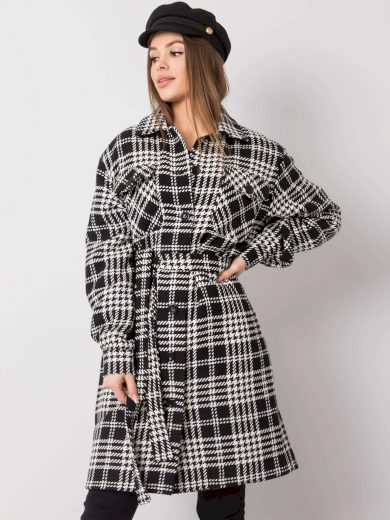 Kostkovaný černo-bílý plášť