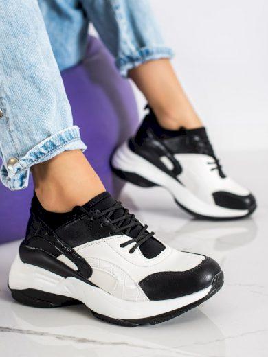 Výborné dámské černé  tenisky bez podpatku