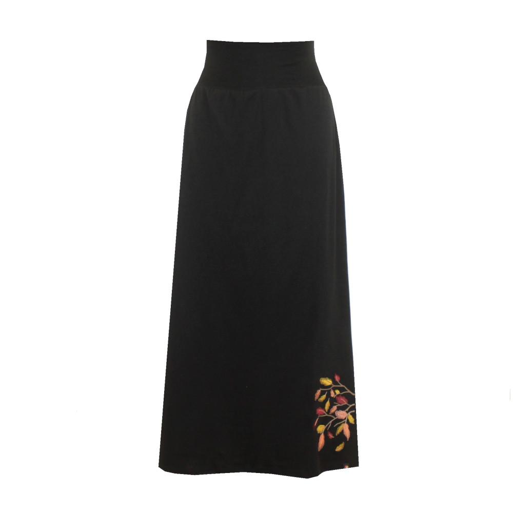 Černá bavlněná dlouhá sukně, hladká s rozparky, větvička s listy