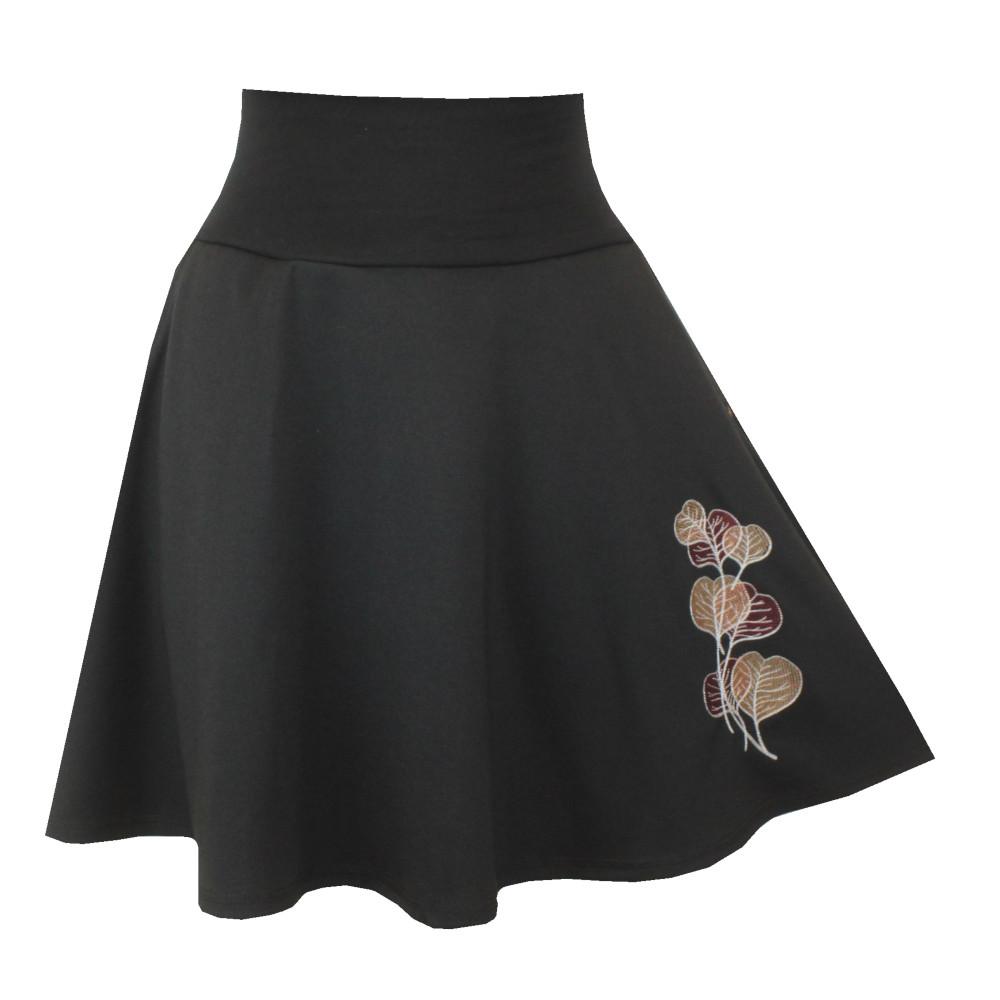 Černá půlkolová sukně, kapsy, listy