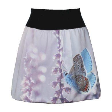 Balonová fialová sukně, motýl