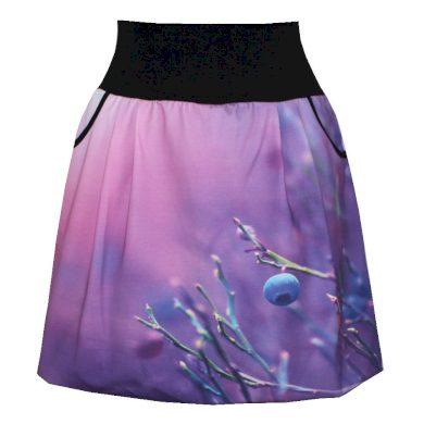 Balonová sukně, borůvky, kapsy