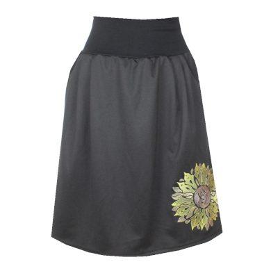 Černá áčková sukně, sklady, kapsy, slunečnice