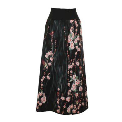 Dlouhá sukně, kvetoucí větvičky