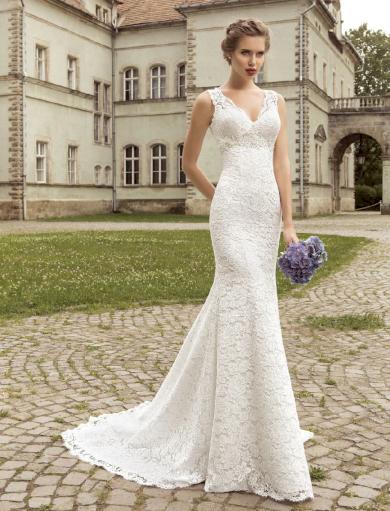 Okouzlující elegantní krajkové svatební šaty bez rukávů