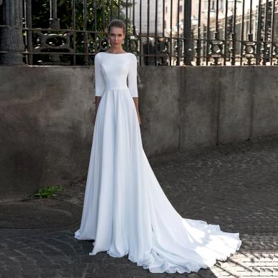 Elegantní jednoduché svatební šaty s 3/4 rukávem